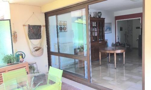 Rénovation des fenêtres réalisées à Cannes par la Miroiterie Oscar situé à Antibes